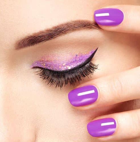 Paarse makeup